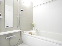 浴室(鏡の水垢取り、エプロン内高圧洗浄含む) のクリーニング
