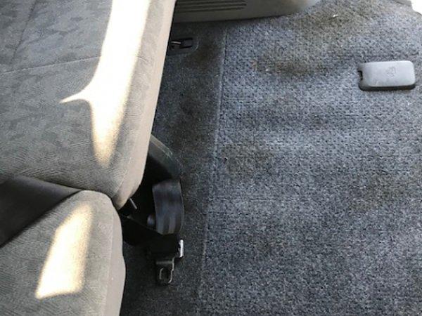 中古車購入後の車内清掃、車内クリーニングは必須のようです!の画像
