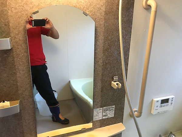 熊本市東区・鏡のウロコ取りクリーニングの画像