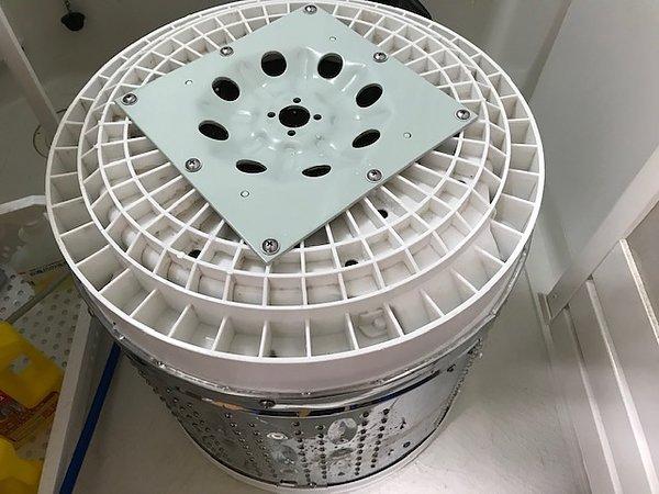 熊本県荒尾市・縦型洗濯機分解クリーニングの画像